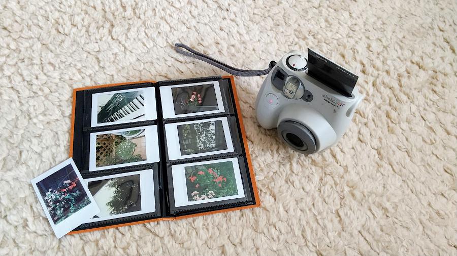 インスタントカメラ チェキ